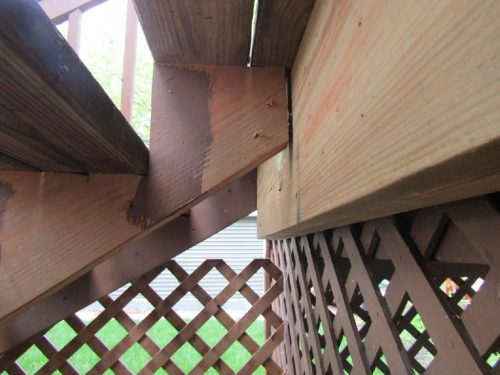 Improper stairway stringer attachment