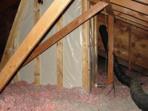 Missing insulation at skylight shaft