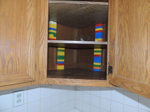 Lego shelf supports