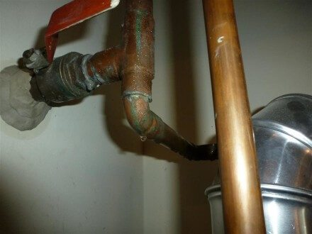 Condensate at water pipes