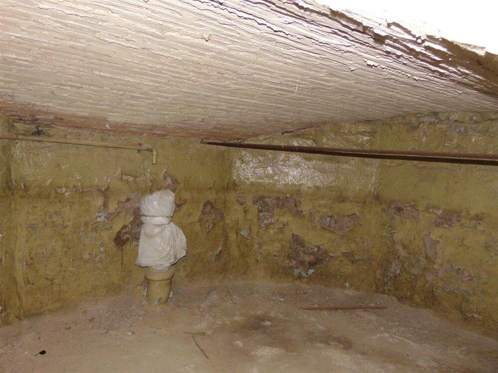 Empty Cistern.JPG