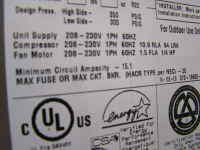 AC rating lable - max fuse is 20 amps