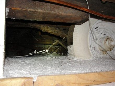 Crawl space with trailer