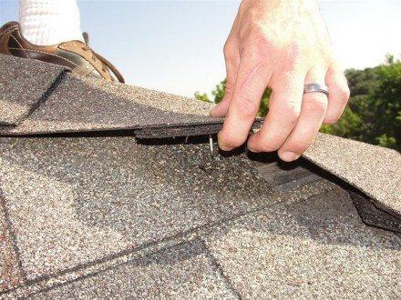 Roofs - short nails at ridge